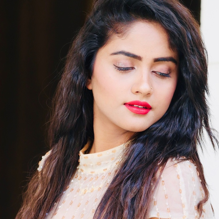 Nisha Guragain Status Videos
